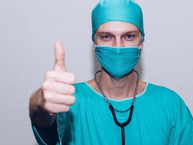 Mund-Kiefer-Gesichtschirurg